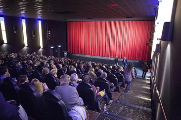 Premiere Lachswald & Giganten der Tiefe